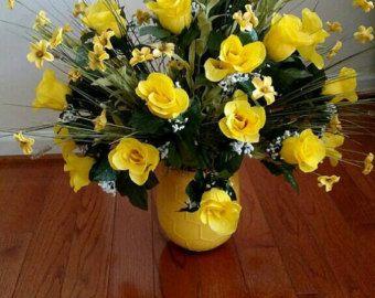 Two dozen yellow rose floral arrangement floral arrangements two dozen yellow rose floral arrangement mightylinksfo