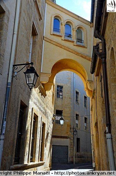 Passage de la rue bastonenq salon de provence everything french pinterest provence rues - Rue kennedy salon de provence ...