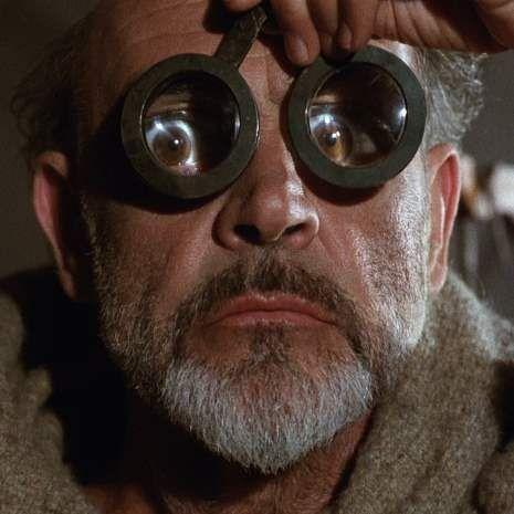 """Quando uma """"legião de imbecis"""" é mais importante que Umberto Eco"""