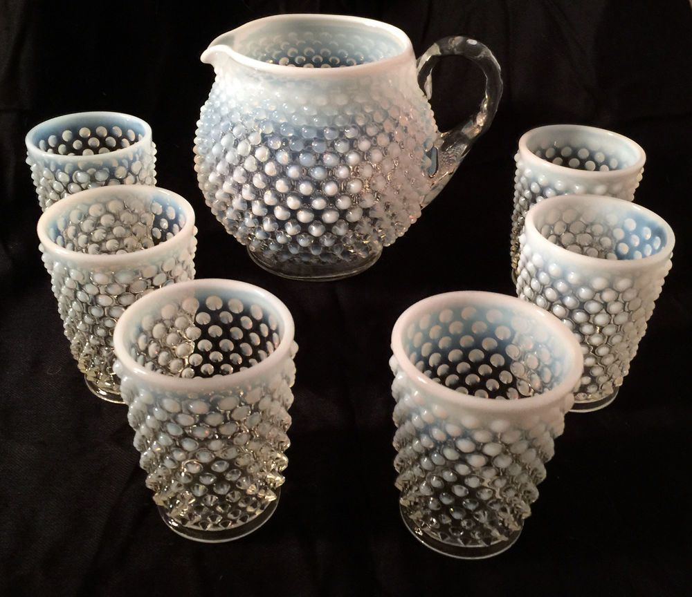 Reasonable Vintage Fenton Opalescent Cranberry Hobnail Squat Pitcher North American Pottery & Glass
