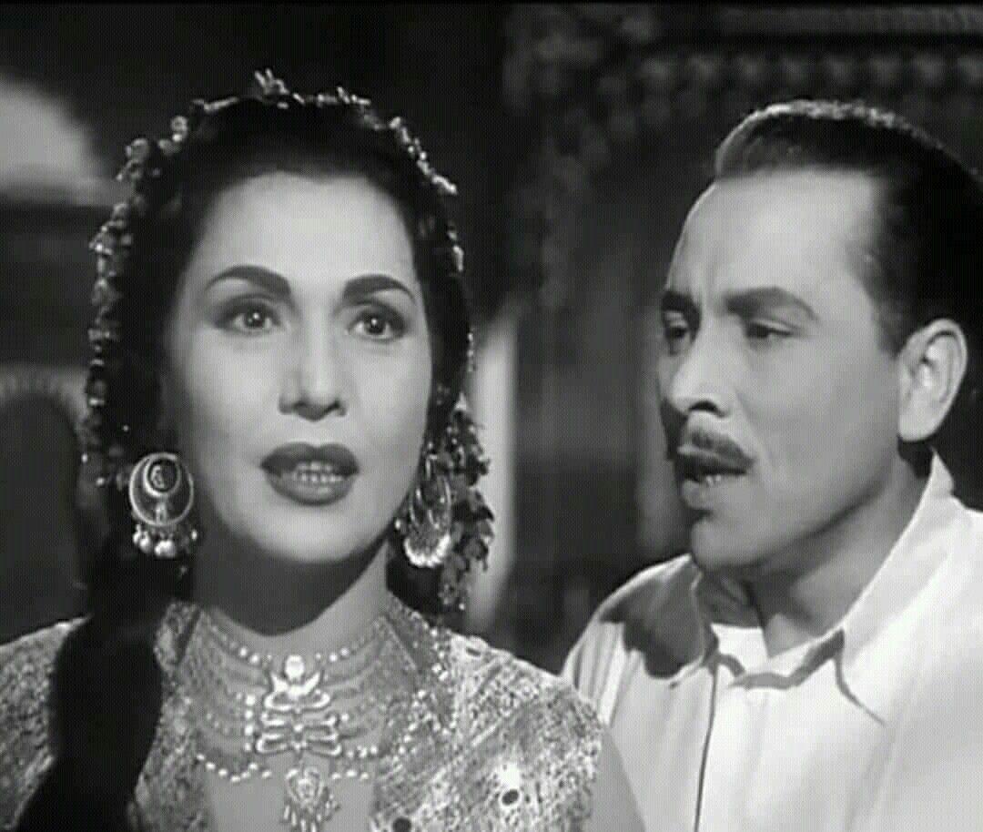 تحية كاريوكا ومحمود اسماعيل في فيلم سمارة 1956 | Artist, Icon ...