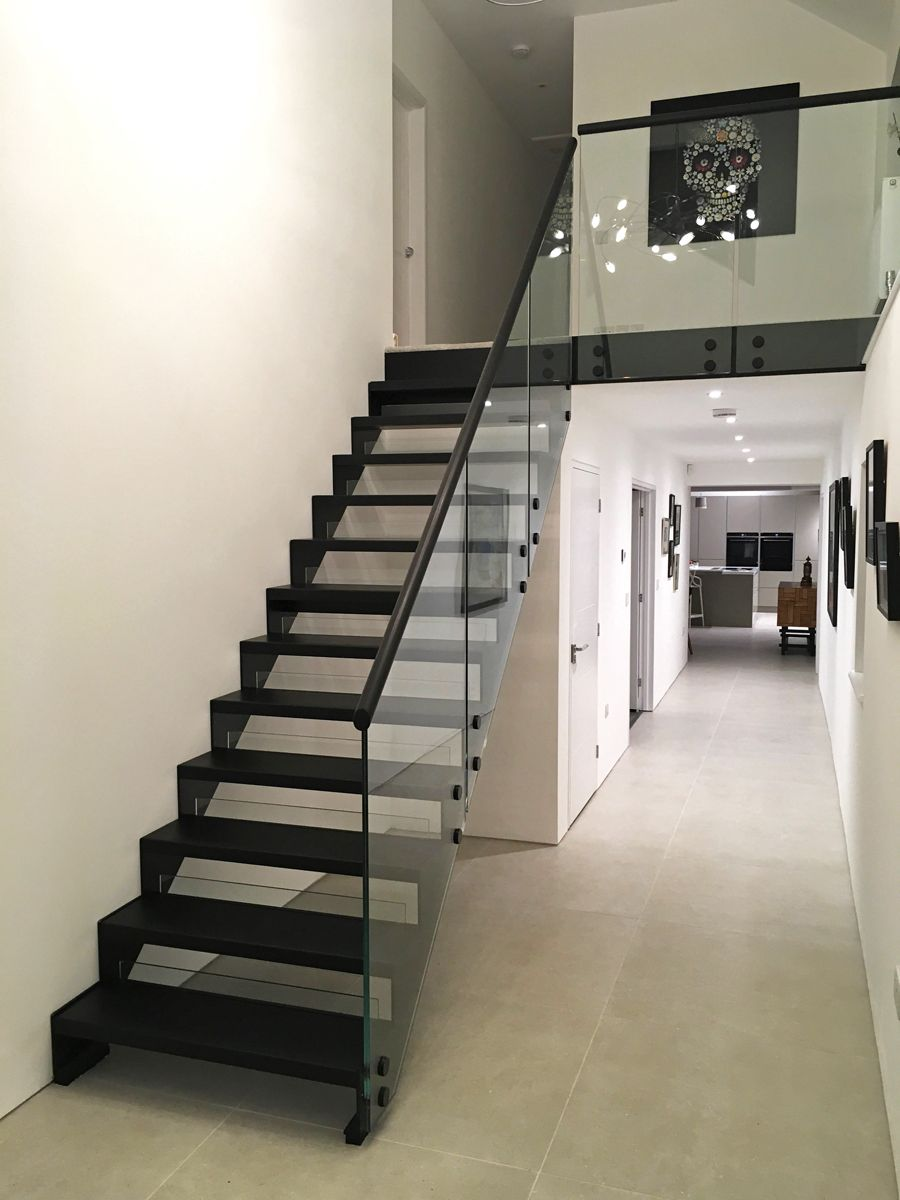 Best A Stunning Model 500 Straight Flight Staircase With Black 400 x 300