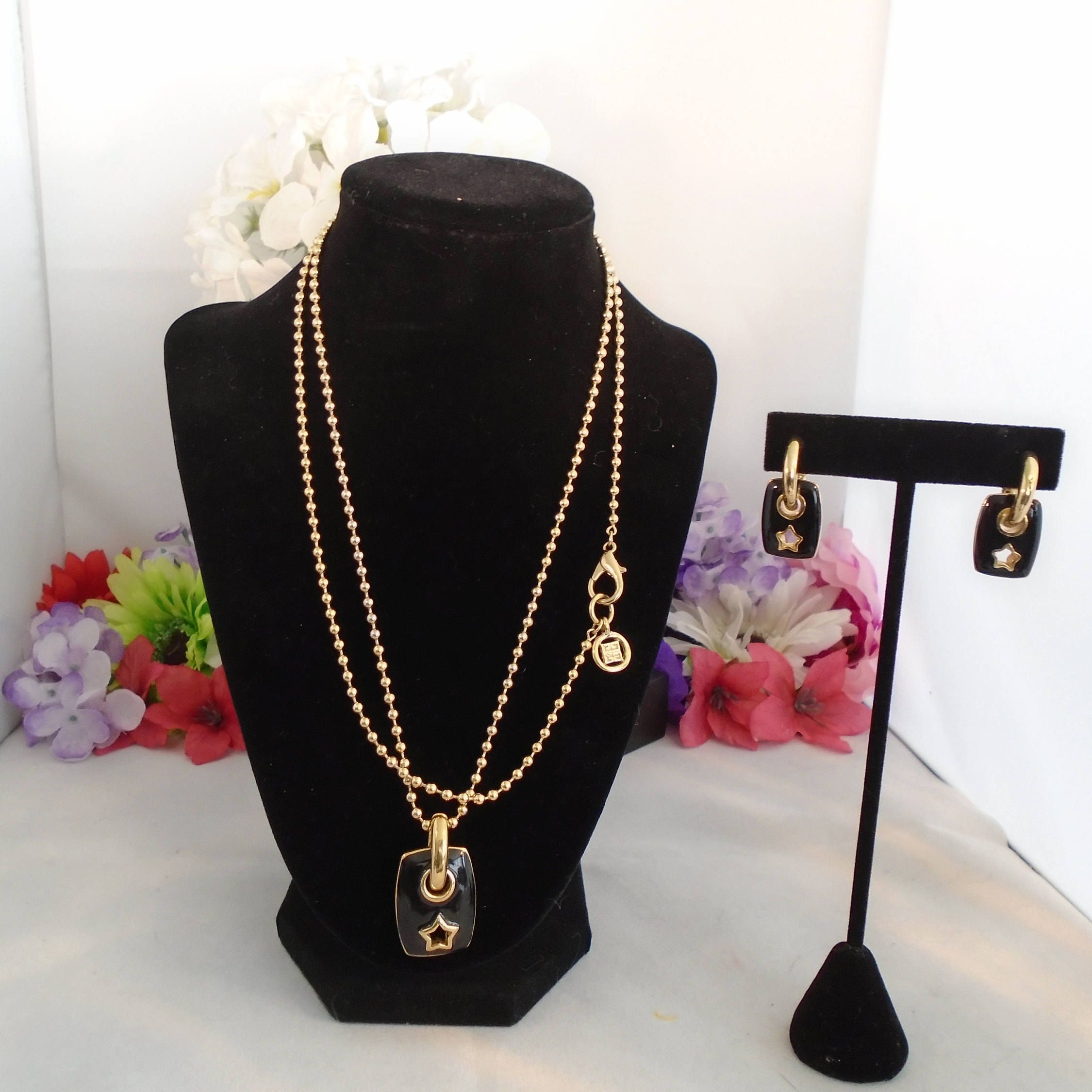 Vintage givenchy black and gold jewelry set beaded gold chain with