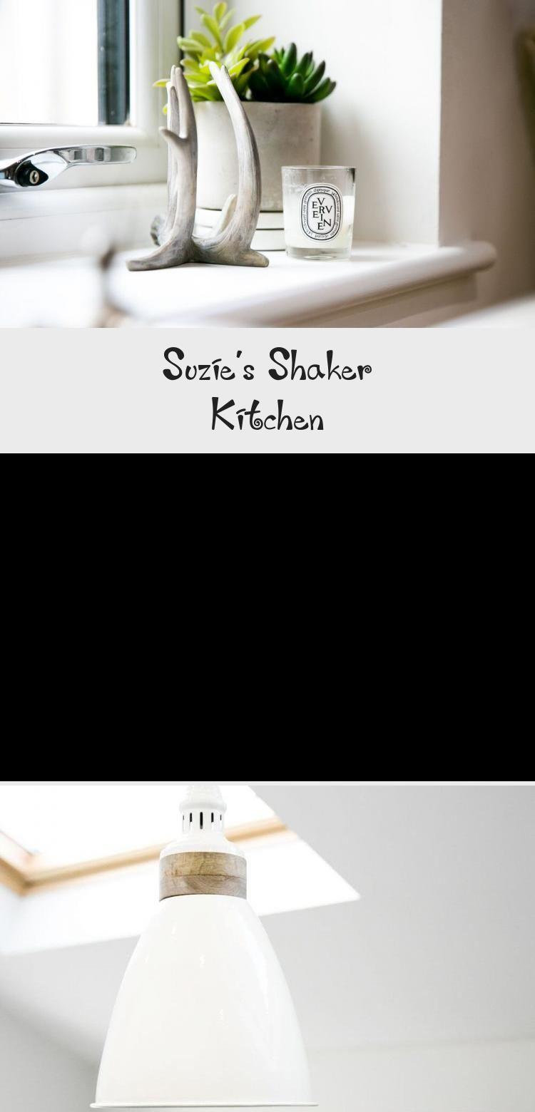 Suzie's Shaker Kitchen #whiteshakercabinets