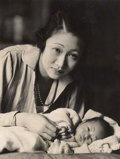 Oscar Hardee, 1920's. Madame Wellington Koo with baby. S)