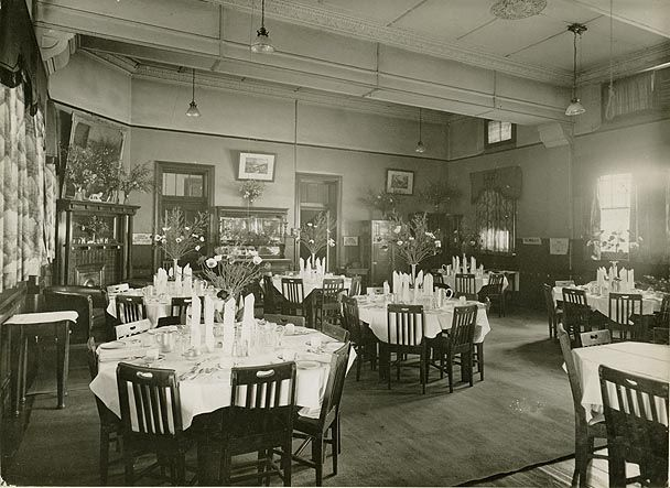 muswellbrook railway refreshment room- dining room, 1935, Esszimmer
