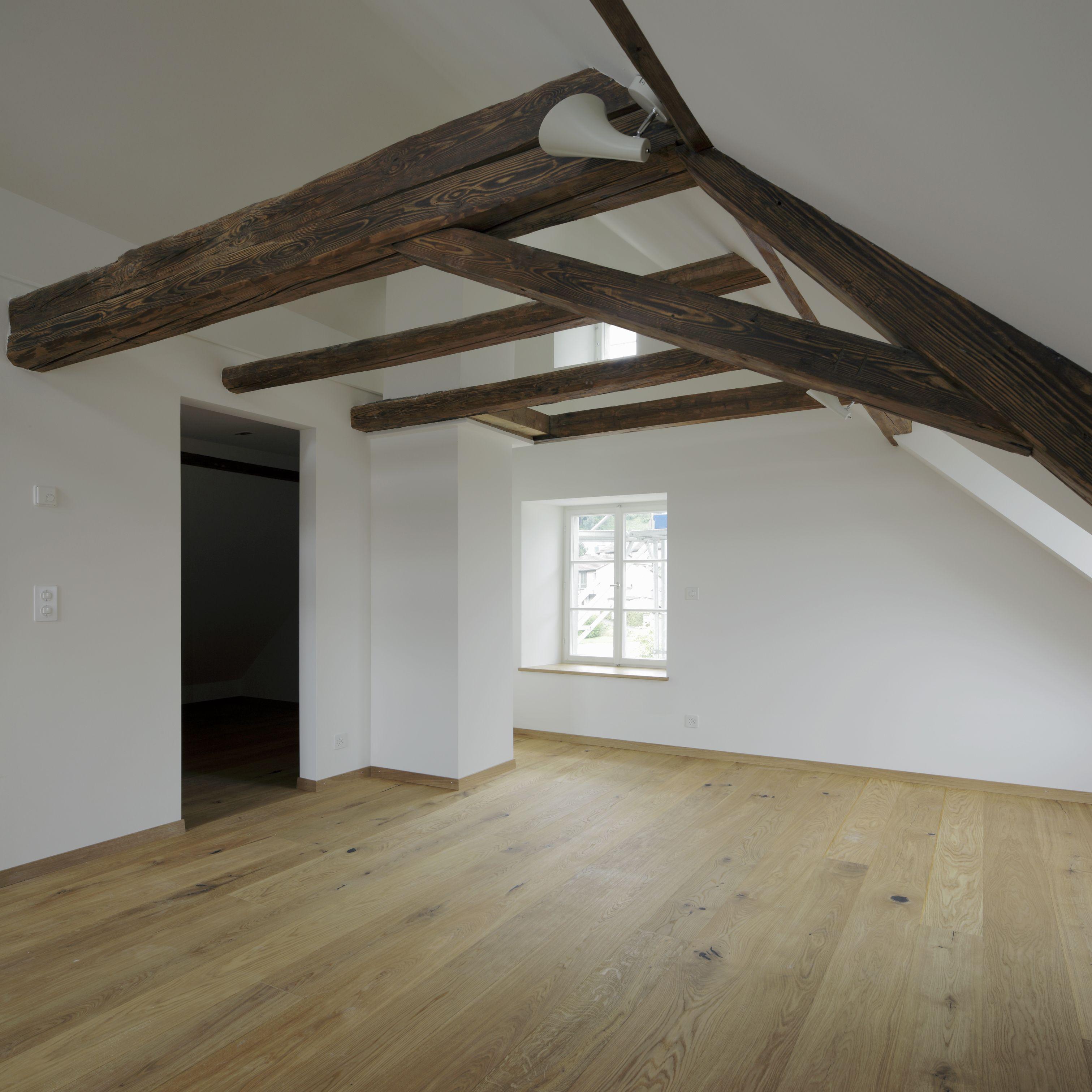 Historisches Haus Bergwerkstrasse Horgen - ausgebauter Dachstock ...
