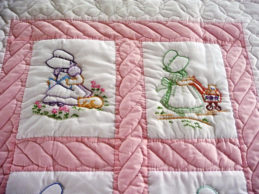 Amish Baby Quilt - pattern is Sunbonnet Sue. | Yelp