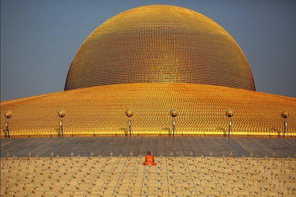 Wat Phra Dhammakaya Temple Pathum Thani Thailand Photo By Damir