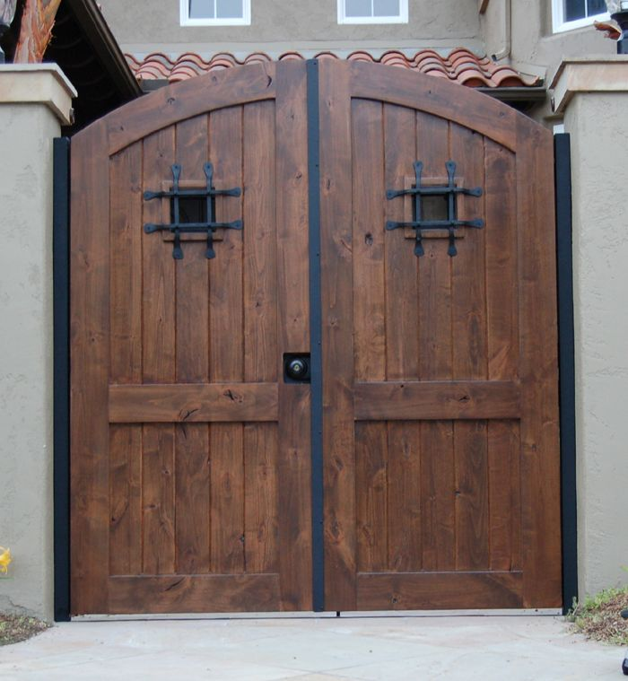 Spanish Entry Door Spanish Courtyard Pinterest