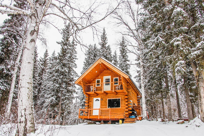 Cozy Alaskan Log Cabin Cabins For Rent In Fairbanks Alaskan Cabins Cabin Airbnb Rentals