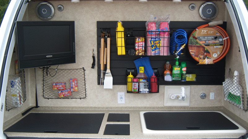 Arredare garage ultimate sports garage man cave pixels for Case con annesso garage per camper
