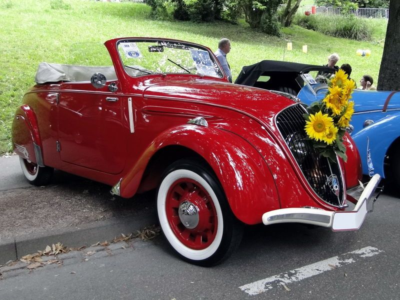 peugeot 202 cabriolet - 1938, french vintage car | i love red