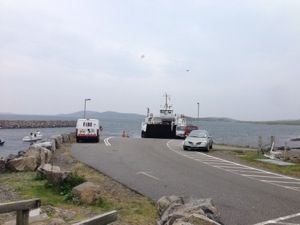 The Outer Hebrides, or Western Isles of Scotland lend themselves well to a linear cycling trip. Ferries link the islands and the mainland and in between boats there is much to challenge both the sp…