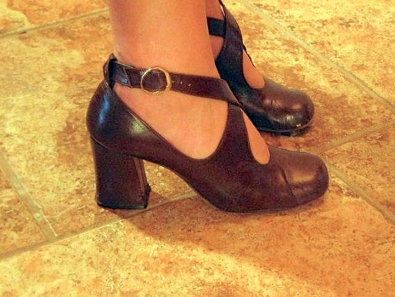 Vintage 70s Women's Chunky Heel Shoes. Chocolate Brown Leather Mary Jane. Hipster Brady Bunch Mod Mad Men. Hippie Boho Chic. US 6.5 - EU 37