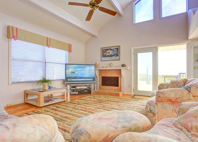 King of the Dune, 4+ Bedrooms, Beach Front at Vilano Beach