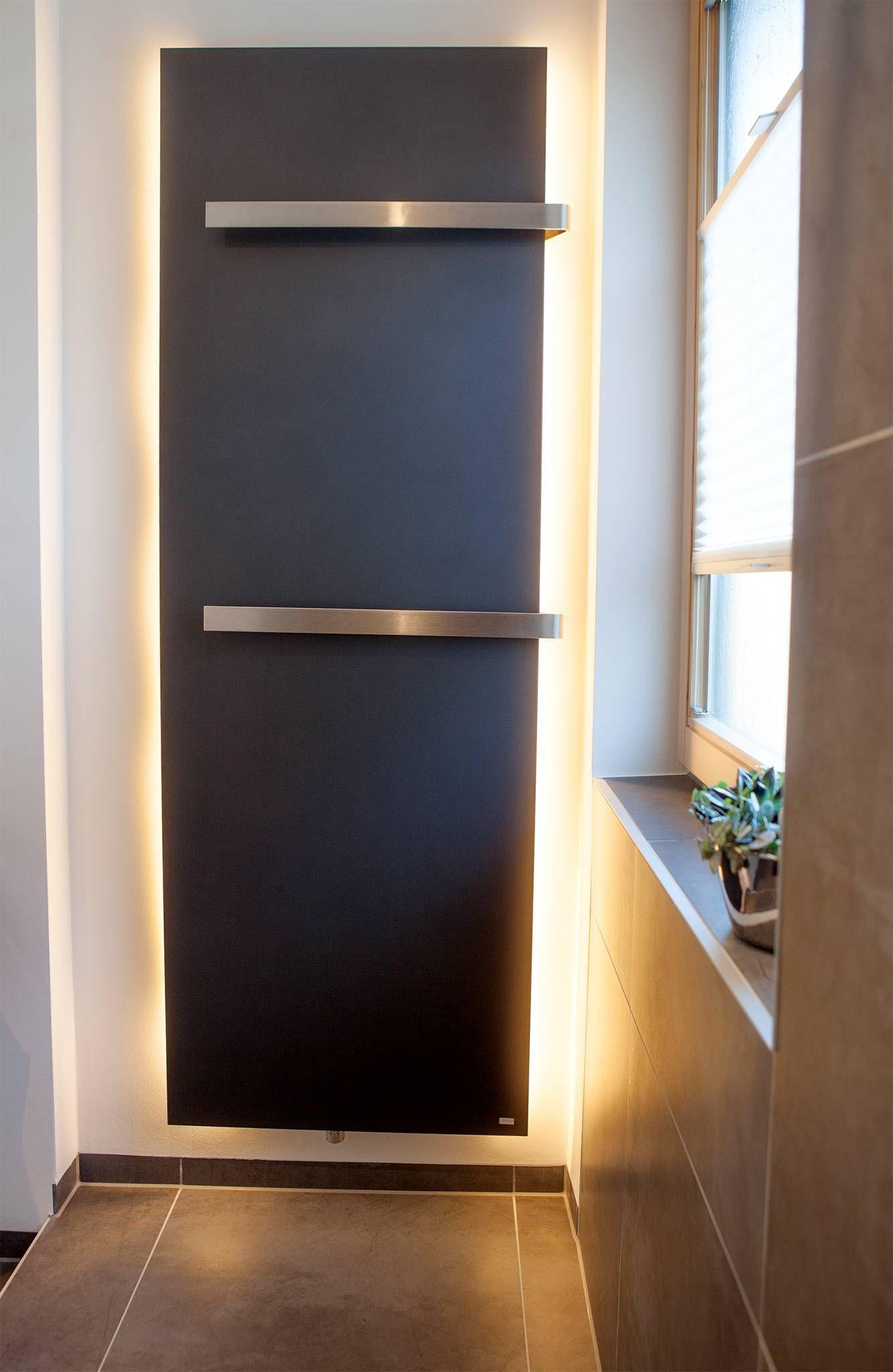 Handtuchheizkörper mit indirekter Beleuchtung | Haus | Pinterest ...