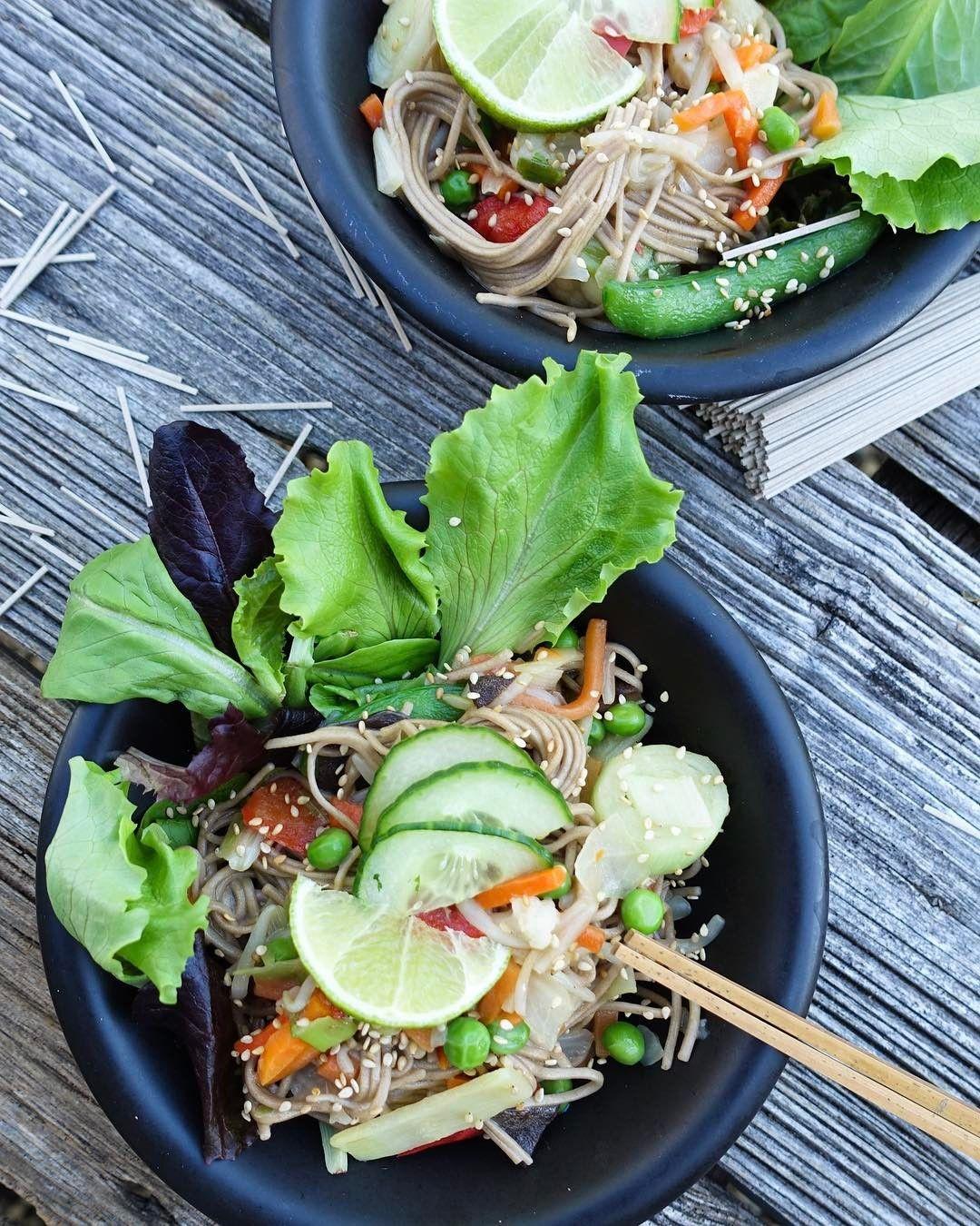 Soba, spring stirred veggies n sesame 👌🏽😉 #vegan #soba