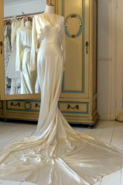 1930s Satin Charmeuse With Lace And Collar And Very Long Train 1930s Wedding Dress Vintage Style Wedding Dresses Wedding Dresses