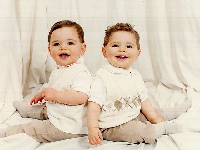 صور اطفال توائم صور اطفال شبه بعض صور بيبي توأم صور اطفال جميلة جدا صور اطفال اخوات صغار صور بيبي توئم صو Twin Babies Pictures Baby Faces Baby Face