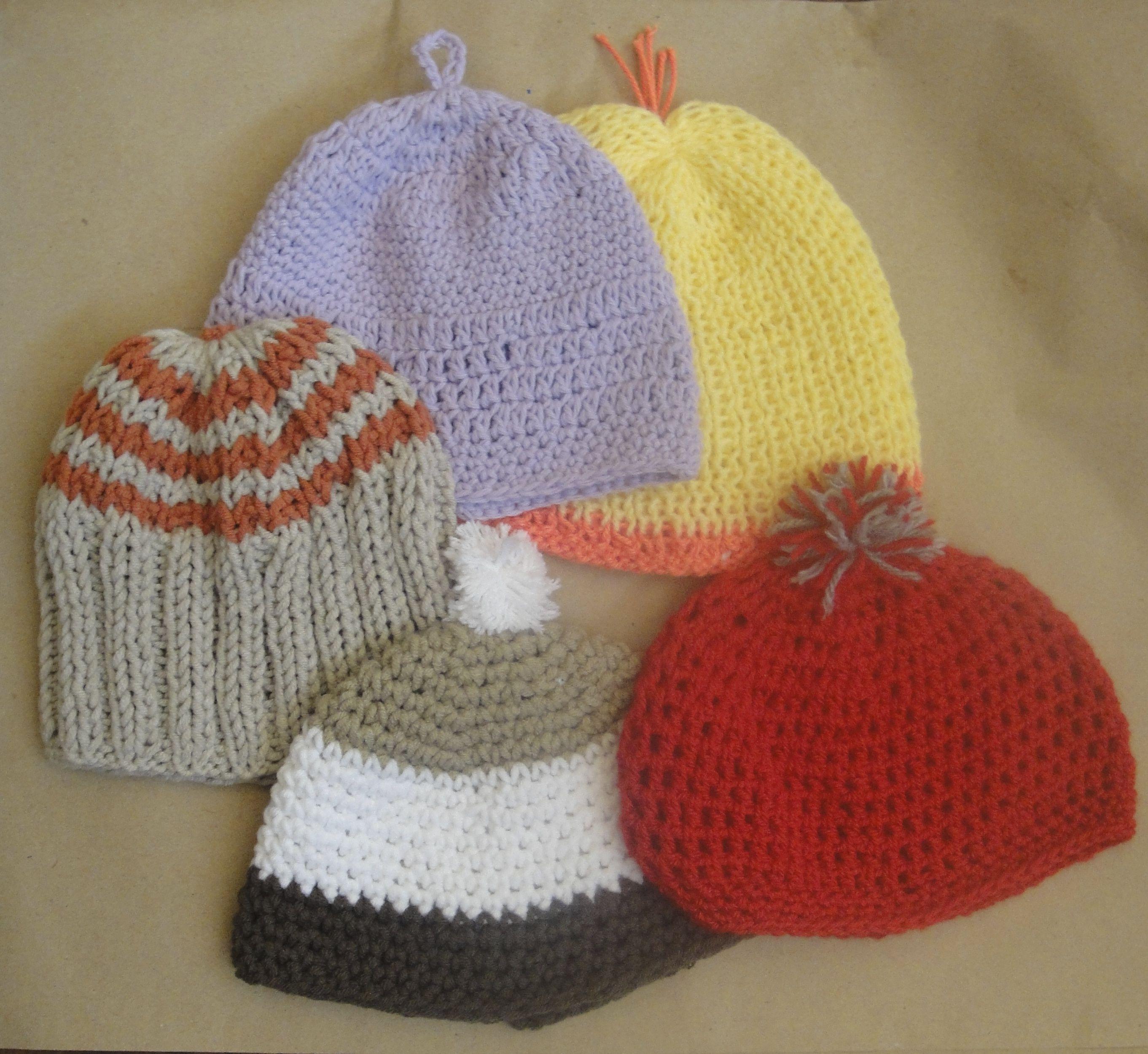 Conjunto de gorros para beb tejidos en crochet puntos - Labores de crochet para bebes ...