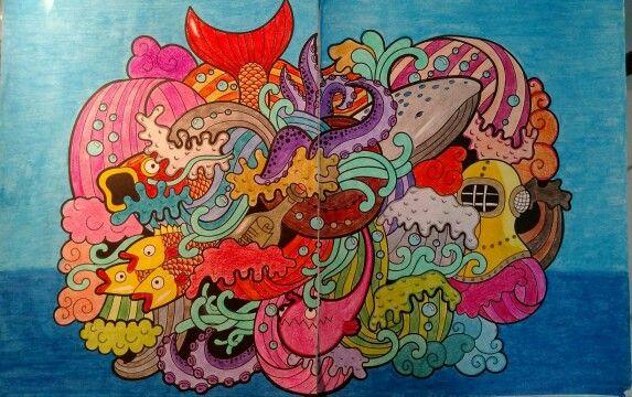 Fundo do mar. Com giz de cera da Maped, lápis de cor da Maped e Faber Castel
