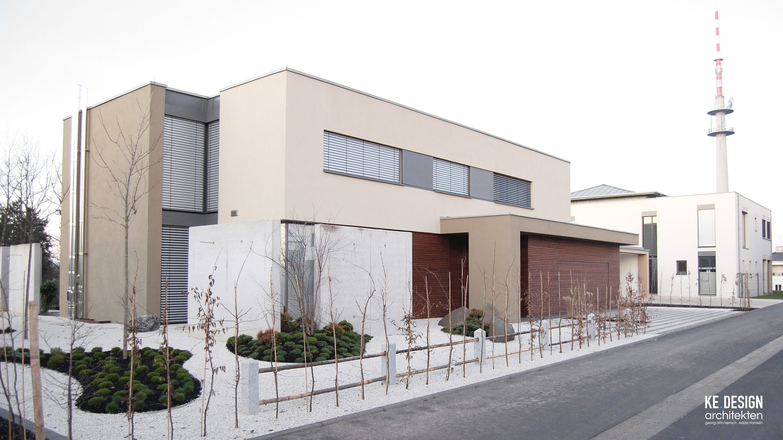 Moderne Villa Im Bauhausstil Mit Japanischer Gartenarchitektur