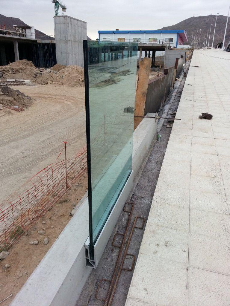 Montaje de estructuras met licas en tenerife cerrajer as for Estructuras para piscinas