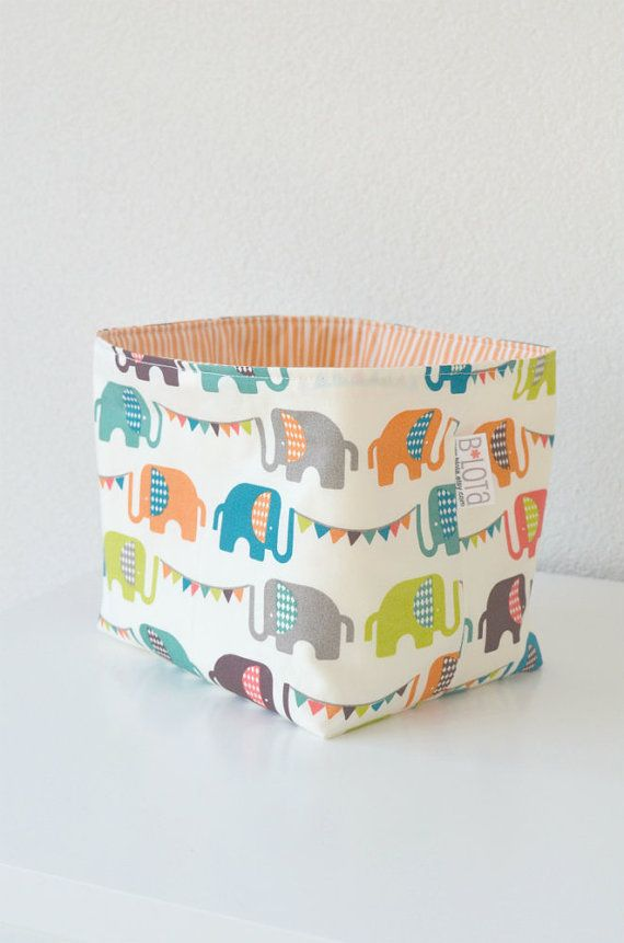 Organic fabric basket elephants and dots in green for Kinderzimmermobel baby