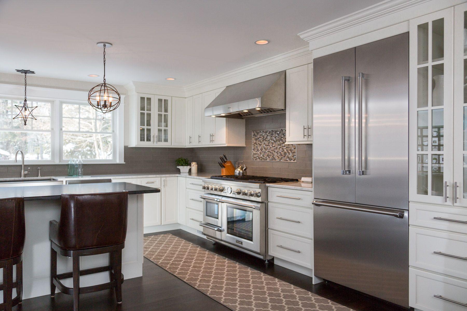 Transitional Style Transitional Kitchen Large Kitchen Island Upper Cabinets