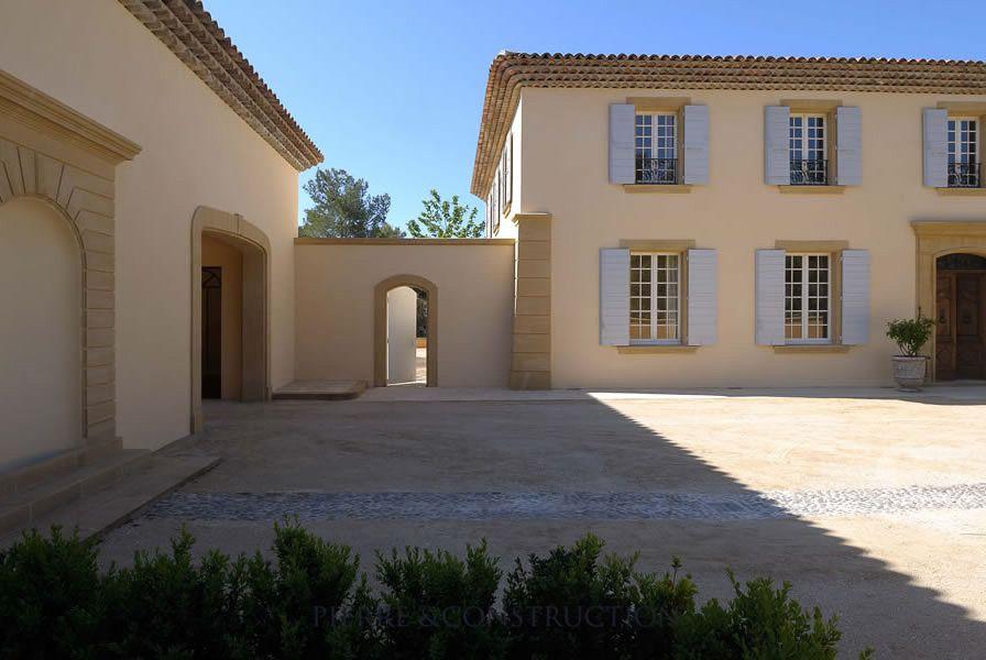 Maison traditionnelle provençale maison Pinterest Construction