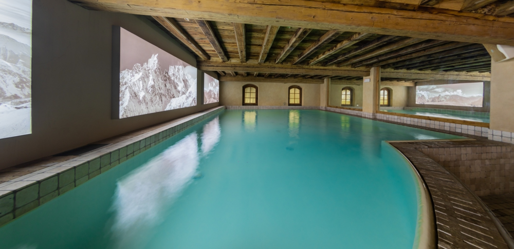 Pool at the Relais Mont Blanc Hotel & Spa in Courmayeur ...
