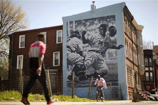 Filadelfia se disculpa por racismo contra Jackie Robinson - http://a.tunx.co/Gw70Q