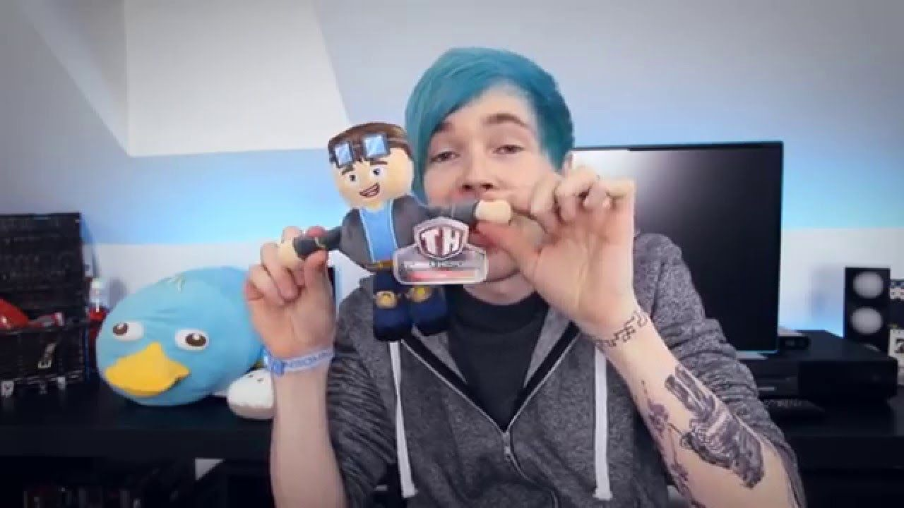 Minecraft blue hair dantdm plushies the diamond - Diamond minecart theme song ...