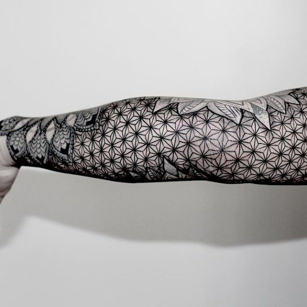 Other Side Of Black And Grey Linework Geometric Mandala Arm Sleeve Tattoo Tatouage Bras Tatouage Symetrique Tatouage