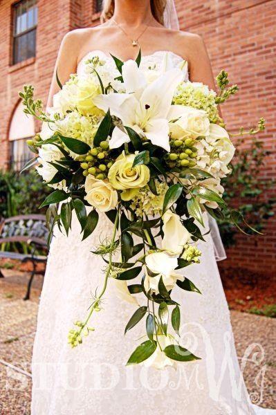 wedding day bouquet #studiomjw #wedding #bouquet