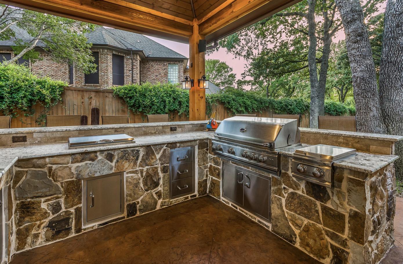 Gorgeous Stone Outdoor Kitchen By Texas Custom Patios Patio Design Outdoor Kitchen Outdoor Living