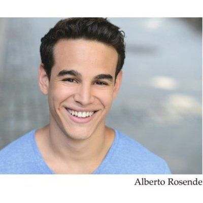 Alberto Rosende as Simon Lewis