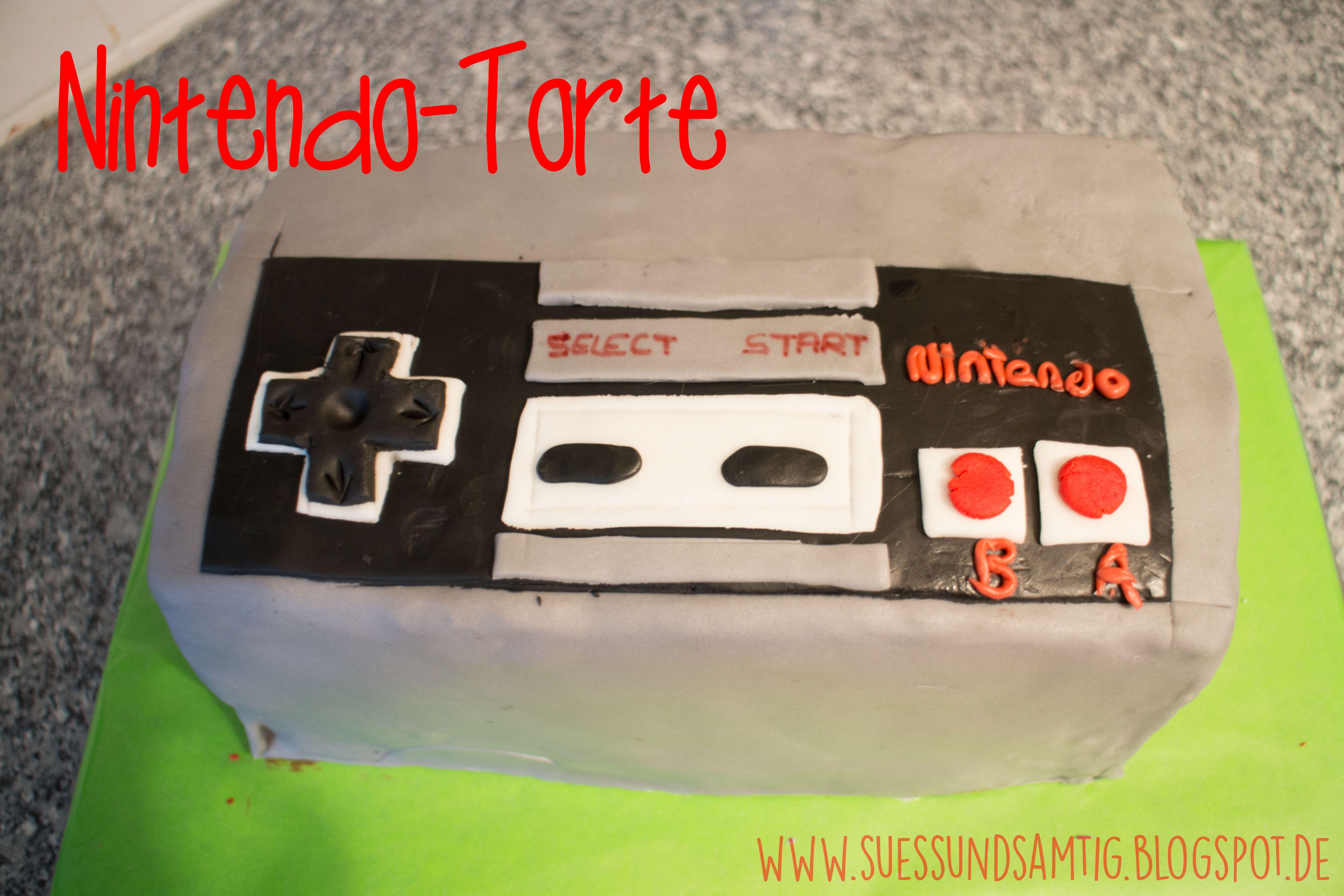 Nintendo NES Gamepad Torte Cake