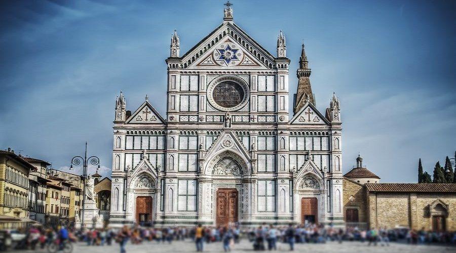 La Basílica de Santa Croce, en Florencia. Un templo sorprendente que pasa por ser uno de los más bellos de Italia.