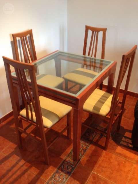 Vendo mesa comedor de cristal extensible y cuatro sillas ...