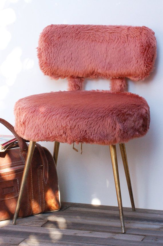 French Vintage Chaise Moumoute Rose Chaise Fausse Fourrure Etsy French Vintage Vintage Nordic Living