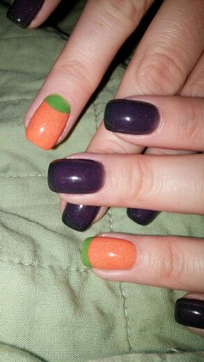 Halloween Nails Purple With Thin Black Tips And Orange With Green Put Green At The Cuticle And Rest Of Nail Is Orange It Look Nails Fun Nails Halloween Nails