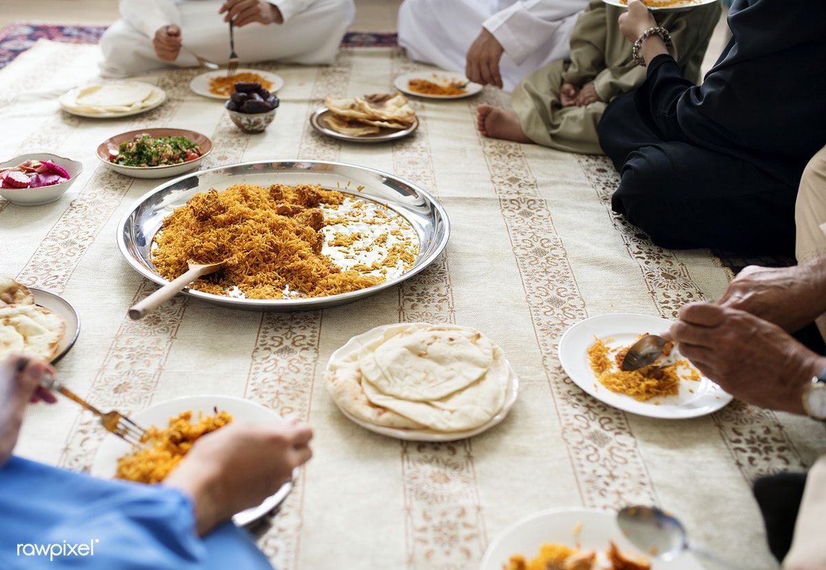 Download Premium Image Of Muslim Family Having Dinner On The Floor 425868 Muslim Family Dinner Iftar