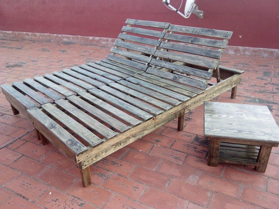 Diy pallet chaise lounge chairs pallet chaise lounges for Build outdoor chaise lounge