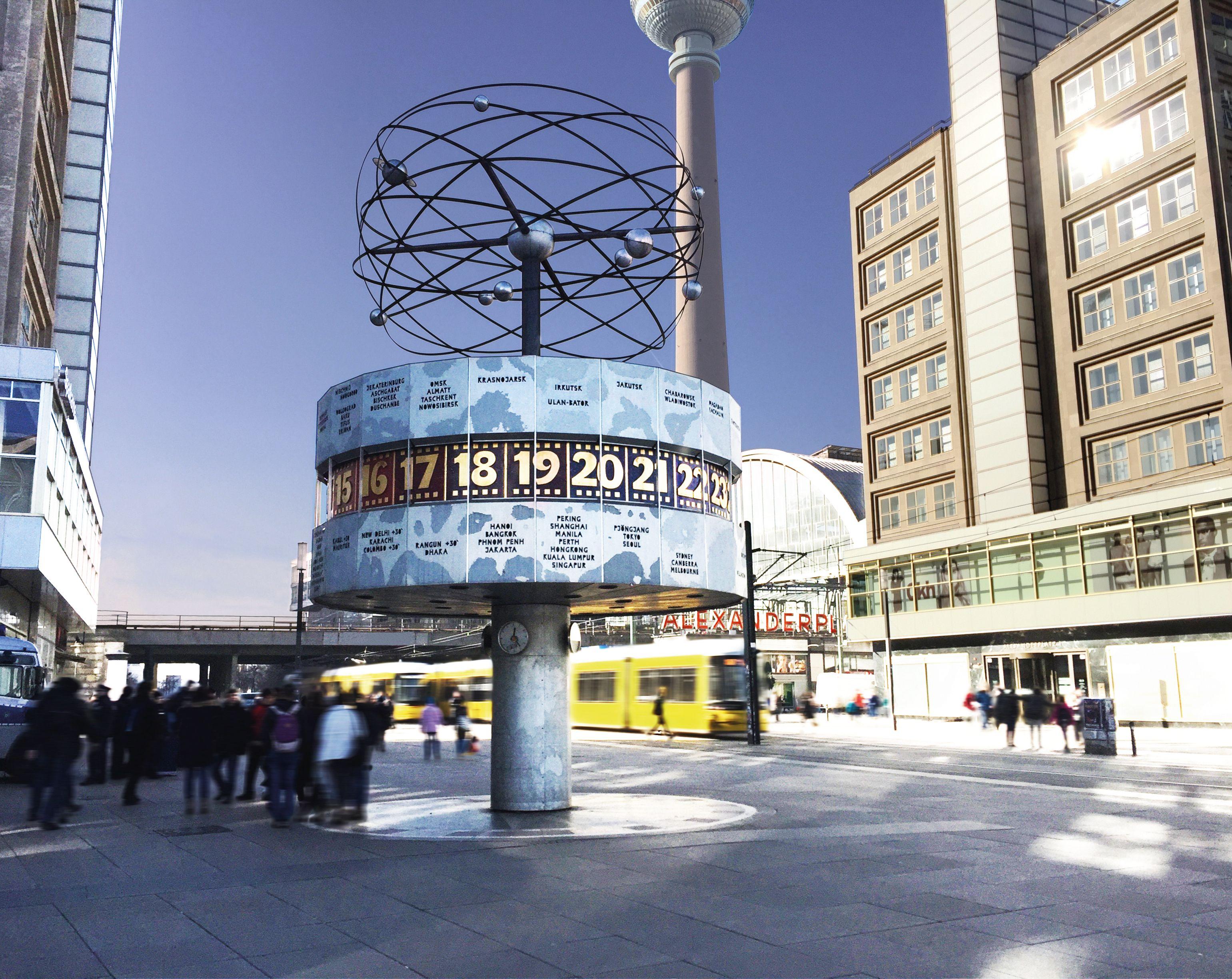 Weltzeituhr Auf Dem Alexanderplatz Weltzeituhr Berlin Weltzeituhr Fernsehturm Berlin