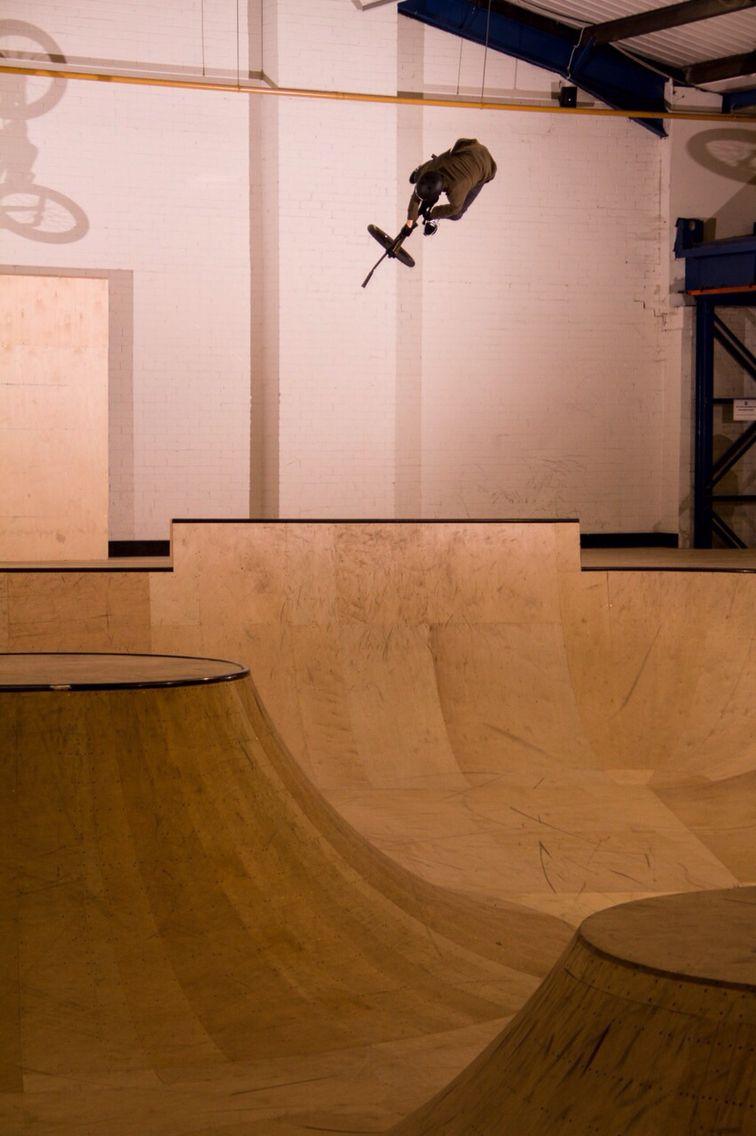 Dean Cueson at Unit3sixty Indoor Skatepark bmx
