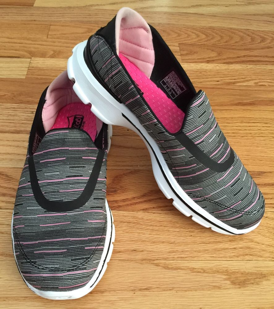 bc4e8cea452e Women s Skechers SZ 6.5 Go Walk 3 Goga Mat Slip On Memory Foam 13861 Black Pink   Skechers  WalkingHikingTrail