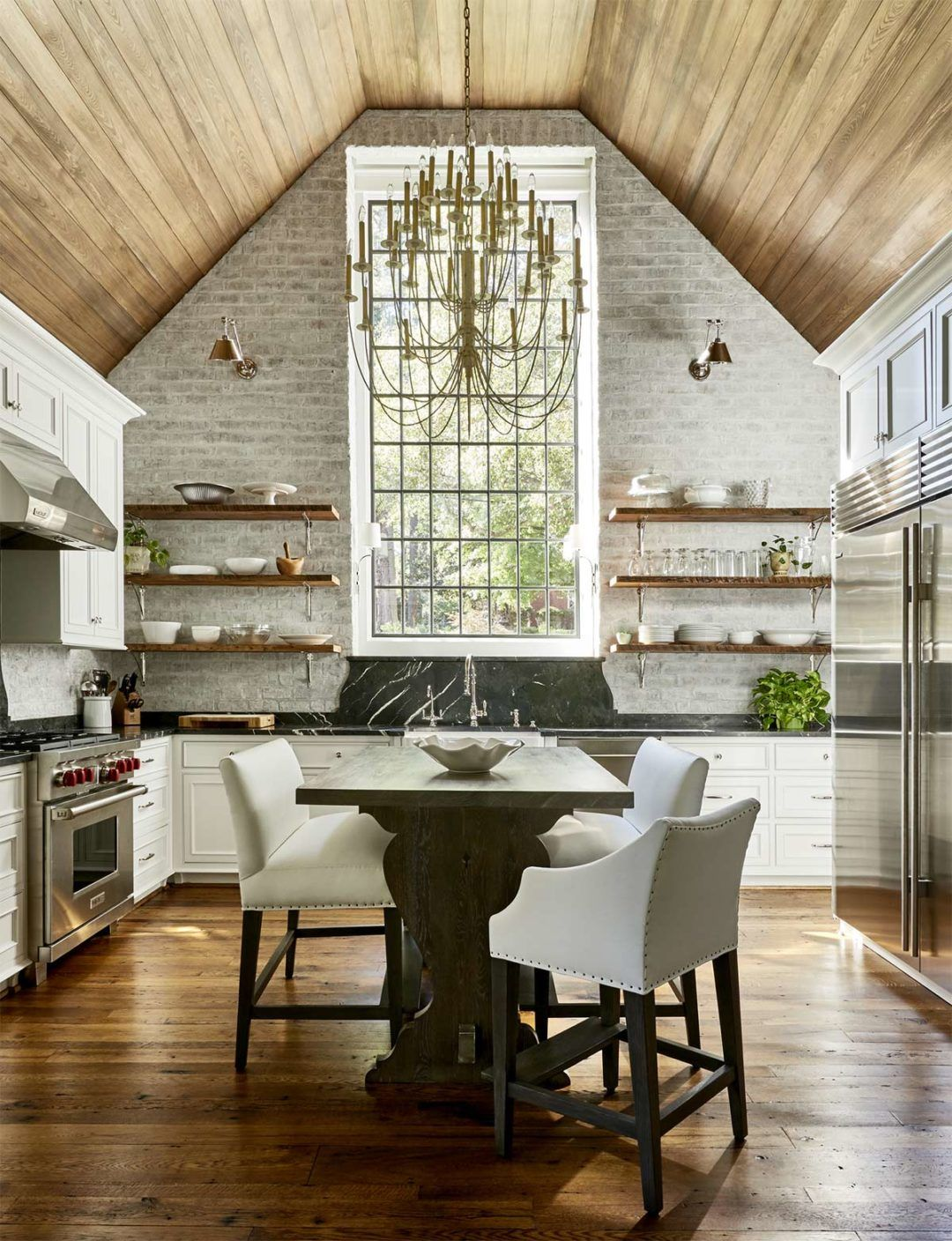 Plank And Pillow Diy And Decorating A Modern Farmhouse Vaulted Ceiling Kitchen Vaulted Ceiling Bedroom Vaulted Ceiling Decor #vaulted #ceiling #living #room #and #kitchen