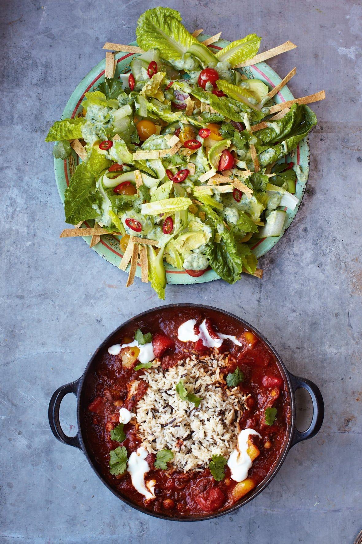 Jamie Oliver S 15 Minute Meals Veggie Chili With Crunchy Tortilla Avocado Salad Recipe In 2020 Veggie Chili Cooked Vegetable Recipes Yummy Vegetable Recipes